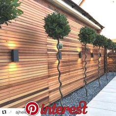 HeartStopping DIY Living Fence Art Ideas is part of Modern landscaping - HeartStopping DIY Living Fence Art Ideas Modern Garden Design, Backyard Garden Design, Backyard Fences, Backyard Landscaping, Garden Pond, Garden Fencing, Gravel Garden, Landscaping Along Fence, House Fence Design