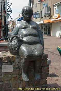 Oud-Beijerland - Zittende vrouw met hond in tas Hermes, Orange Color, Buddha, Sculptures, Statue, Outdoor Decor, Sculpture, Sculpting, Marbles