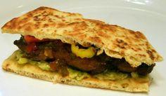 Sticky Chicken Naan Sandwich – Yumi recipes