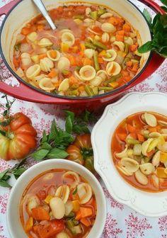 ¡Un tazón lleno de verduras! Soupe au Pistou - ¡Un tazón lleno de verduras! Soupe au Pistou teaspoon of matcha powder - Vegetable Soup Healthy, Healthy Soup, Healthy Recipes, Pasta Recipes, Soup Recipes, Casserole Recipes, Cake Recipes, Dinner Recipes, Clean Eating Soup