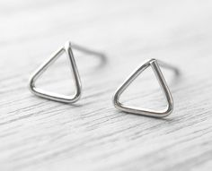 Tiny Triangle Studs, Sterling Silver Earrings, Minimal Jewelry, Modern Stud Earrings, Cartilage Studs, Sterling Silver Wire 20g, ST002