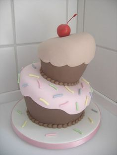 Cake Decorating With Fondant: Beginners Tips For Working With Fondant