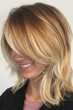 Best Ideas to Wear Shoulder Length Layered Hair ★ See more: http://lovehairstyles.com/wear-shoulder-length-layered-hair/