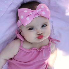 Cute Baby Boy Photos, Cute Kids Pics, Cute Baby Videos, Cute Little Baby, Baby Kind, Pretty Baby, Chubby Babies, Funny Babies, Newborn Bebe
