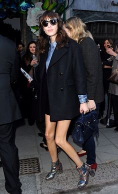 922ee795ea6 London Fashion Week Street Style  Alexa Chung After Mulberry
