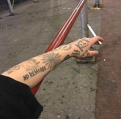 Mimi ⇡ miiriaa - New Piercings Dream Tattoos, Mini Tattoos, Future Tattoos, Black Tattoos, Body Art Tattoos, Small Tattoos, Tattoos For Guys, Cool Tattoos, Tatoos