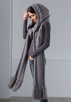 Hooded scarf free knitting pattern, with cable work and intricate details. Find more free knitting patterns on this website. Knitting Patterns Free, Knit Patterns, Free Knitting, Free Pattern, Knitting Scarves, Knitting Needles, Bonnet Crochet, Knit Crochet, Crochet Hats