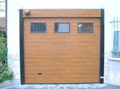 Portoni Sezionali CIvili Garage Doors, Shed, Outdoor Structures, Outdoor Decor, Home Decor, Homemade Home Decor, Backyard Sheds, Coops, Decoration Home