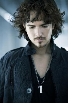 Picture of Tommy Torres
