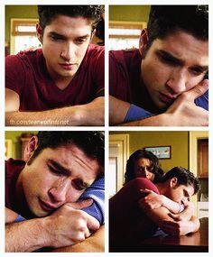 #TeenWolf #3x24 #TheDivineMove …Poor Scott. :{
