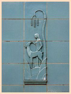 Detail of Art Deco tile work on the Dattola Theater, New Kensington, Pennsylvania. Motif Art Deco, Art Deco Design, Tile Design, Ceramic Pottery, Pottery Art, Ceramic Art, Ceramic Animals, Art Nouveau, Tile Art