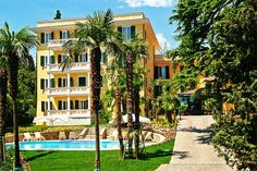 Hotel Villa Sofia - Gardone Riviera ... Garda Lake, Lago di Garda, Gardasee, Lake Garda, Lac de Garde, Gardameer, Gardasøen, Jezioro Garda, Gardské Jezero, אגם גארדה, Озеро Гарда ... Welcome to Hotel Villa Sofia Gardone Riviera. Hotel Villa Sofia, an historical 19th century palazzo and now an exclusive first class hotel, is located in the most beautiful and serene area of Gardone Riviera, the residential neighborhood with sumptuous Mediterranean villas f