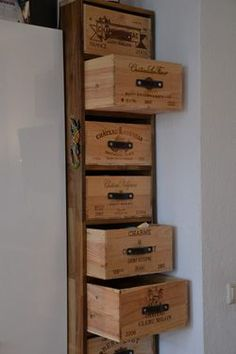 never would have thought of putting handles on the crates, great upcycle.I never would have thought of putting handles on the crates, great upcycle. Diy Furniture Building, Diy Pallet Furniture, Crate Furniture, Deco Originale, Design Your Dream House, Vintage Wine, Wine Storage, Crate Storage, Wooden Boxes