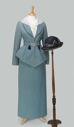 Historical fashion and costume design. Edwardian Clothing, Edwardian Dress, Antique Clothing, Historical Clothing, Edwardian Era, 1900 Clothing, Victorian Dresses, Historical Dress, Victorian Gothic