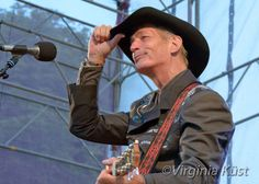 Doug Seegers on Root Festival. Sometimes you loose focus. Festival Photography, You Loose, Country Music, Virginia, Blues, Country
