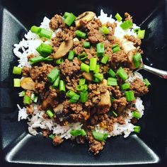 #easydinner tonight -- Korean ground beef from a (doubled) recipe by #sixsistersstuff. I've made this at least 10-15 times and my family loves it. I use fresh baby ginger (from @sassafrascreekfarm), I added sautéed mushrooms, plus added a swirl of #latourangelle toasted sesame oil after I put it all on the plate -- also used #traderjoes organic jasmine rice. #sixsistersstuffrecipe #peanutallergies #healthylunch #healthykidslunch #bento #eattherainbow #rockthelunchbox @rockthelunchbox…