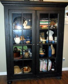 Broyhill Attic Heirlooms Library Cabinet In Black Stain ❤️