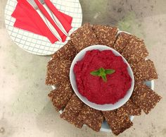 This looks fantastic! Flax Seed and Chia Crackers with Beetroot and Horseradish Creme Snack Recipes, Healthy Recipes, Healthy Food, Salty Snacks, Beetroot, Christmas And New Year, Clean Eating Snacks, Flaxseed, Crackers