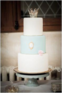 Blue and white wedding cake... Personalized Cake serving sets...  http://thevineyard.carlsoncraft.com