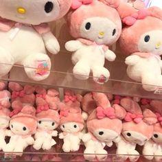 ─ ✧・゚۵ kasicle Beanie Babies, Rilakkuma, Pusheen, My Melody Sanrio, Feeds Instagram, Cute Plush, Sanrio Characters, Everything Pink, Looks Cool