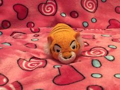 I haven't watched the new Jungle Book but I heard that it's pretty good. Here's Shere Khan the tiger. Tsum Tsums, Disney Tsum Tsum, Pretty Good, Books, Libros, Book, Book Illustrations, Libri