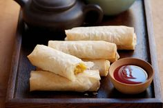Vegetable filo spring rolls « Asian Recipes « All Tasty Recipes Vegan Finger Foods, Vegetable Spring Rolls, Chicken Spring Rolls, Delicious Vegan Recipes, Yummy Food, Tasty, Healthy Recipes, Slimming World Spring Rolls, Cooking Chinese Food