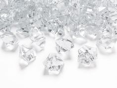 Our acrylic ice chunks and table diamonds are of very high quality, depth and clarity and as such allow the light to sparkle and shine through beautifully. Vase Fillers, Wedding Table Decorations, Girls Be Like, Clear Acrylic, Home And Garden, Baby Shower, Plast, Smuk, Events