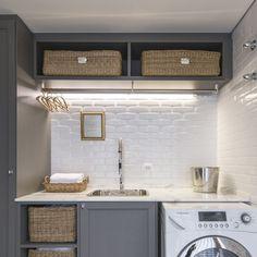 TANQUE OU BANCADA Condo Kitchen, Laundry, New Homes, Mirror, House, Inspiration, Furniture, Design, Home Decor