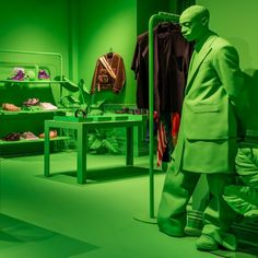 """MH Kagee on LinkedIn: """"Louis Vuitton Pop-Up shop in New York under the creative guidance of Virgil Abloh fusing luxury menswear with streetstyle dipped in bright green hue! Showing the 2019 Autumn/Winter collection in Parisian style! Brand Collection, Winter Collection, Virgil Abloh Louis Vuitton, Louis Vuitton Store, Pop Up Shops, Statue, Leather Design, Neon Green, Neon Purple"""