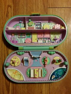 Vintage 1992 Bluebird Polly Pocket Babysitting Stamper includes stamps (I seriously don't know if me or my best friend had this, but I think I did! 90s Toys, Retro Toys, Vintage Toys, Childhood Movies, My Childhood Memories, Polly Pocket World, Poly Pocket, Toys Shop, Babysitting