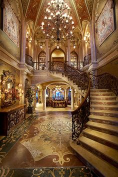 Foyer with Staircase of Chris Cline's North Palm Beach mega Mansion Grande Cage D'escalier, North Palm Beach, Mega Mansions, Luxury Mansions, Mansions Homes, Grand Staircase, Grand Foyer, Grand Entrance, Luxury Staircase