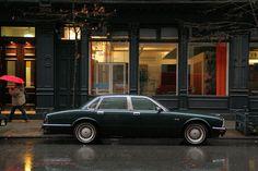 Jaguar Sovereign - My old classic car collection Jaguar Xj40, Jaguar Type, Jaguar Cars, Old Classic Cars, Classic Sports Cars, True Car, Jaguar Daimler, Aston Martin Lagonda, Car Tuning