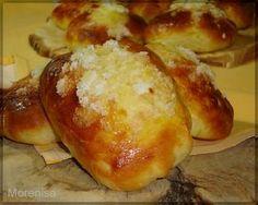 Bollos suizos Bakery Recipes, Bread Recipes, Dessert Recipes, Biscuit Bread, Pan Bread, Donuts, Venezuelan Food, Sweet Dough, Sweet Little Things