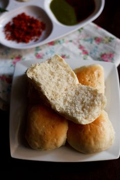 bombay pav recipe - soft, light indian bread rolls. also known as laadi pav. step by step recipe.