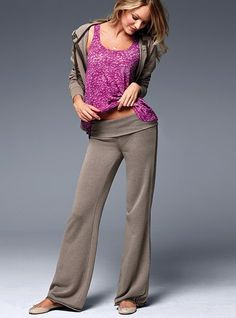 How comfy do these look? I love neutral workout clothes with a pop of fun color either in the top or the sports bra.