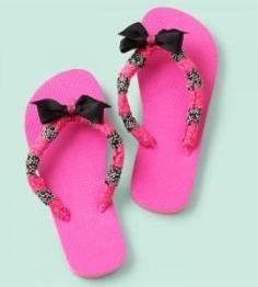 DIY Tutorial craft tutorials / Embellished Flip Flops with Tassel And Pearls â?? Nbeads - Bead&Cord