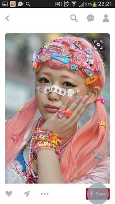 FASHION JAPAN: Sakiho (Amu) (Harajuku,Tokyo) this is so funny. Japan Street Fashion, Tokyo Street Style, Tokyo Fashion, Harajuku Fashion, Lolita Fashion, Harajuku Makeup, Fashion 2020, Dr Martens Fashion, Harajuku Mode