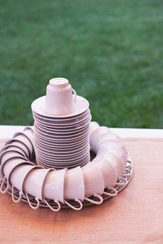 great way to arrange tea cups