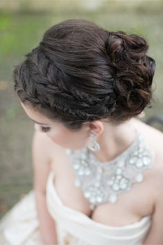 Glamorous bridal updo | LH Photography | see more on http://burnettsboards.com/2014/02/glamorous-creative-love-sweet-shoot/