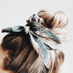 Hair Do you feed the birds in your garden? Ombré Hair, Hair Bows, 80s Hair, Hair Updo, Curly Hair Styles, Natural Hair Styles, Hair Length Chart, Headband Hairstyles, Hairstyle Ideas