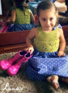 (Crochet)     And here is the third and final dress for my friend's daughter (check the first two here: SummerDress #1 , in bright pink ; S...