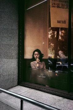 mybonehouse: Harry Gruyaert,JAPAN. Tokyo. Coffee shop in Shinjuku district. 1996.