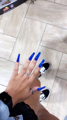 What you need to know about acrylic nails - My Nails Aycrlic Nails, Stiletto Nails, Hair And Nails, Claw Nails, Perfect Nails, Gorgeous Nails, Pretty Nails, Sally Hansen Miracle Gel, Nagel Tattoo