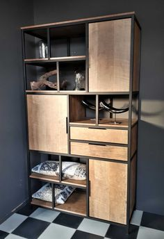 Welded Furniture, Industrial Design Furniture, Steel Furniture, Furniture Design, Divani Living, Home Entrance Decor, Home Decor, Room Partition Designs, Muebles Living