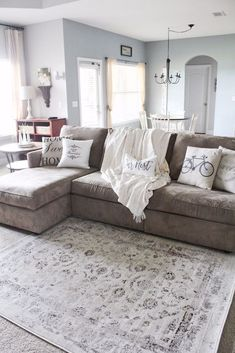 Rustic modern farmhouse living room decor ideas (35)