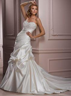 A-line Satin Sleeveless bridal gown,affordable wedding dress