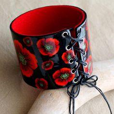 Un bracelet chic en pâte polymère qui habillera vos tenues ! Découvrez le pas à pas ici >>> https://www.perlesandco.com/Bracelet_Manchette_Corset_lace_en_pate_polymere_Cernit-s-2552-4.html