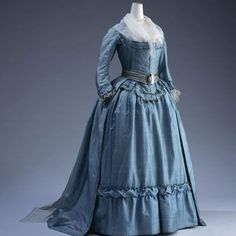 1785 France, A dress called robe à l'anglaise, baby blue in color, floor-length and long-sleeved dress, made from silk, has a belt around the waist, KCL Digital Archives