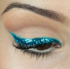 Passo a passo de maquiagem para o carnaval 2014 – delineado com glitter - Tudo Make – Maior blog de maquiagem, beleza e tutoriais de Curitiba.