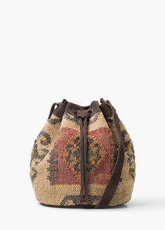 60€ Bolso saco yute - Bolsos de Mujer | MANGO
